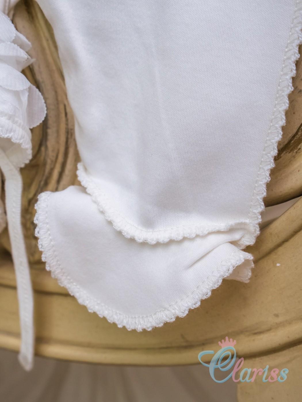 Нарядный слип с пышными розочками и шапочкой